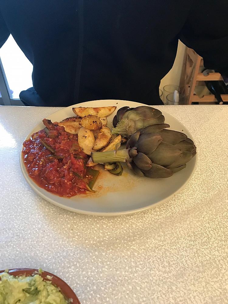 Gemüse und Artischocken